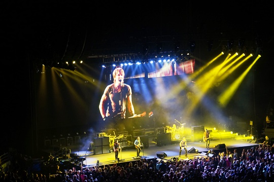 Keith Urban & his band back in Melbourne 2014. Photo by Steve Yanko.