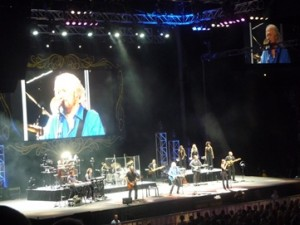 Barry Gibb with his band. Photo by Steve Yanko.